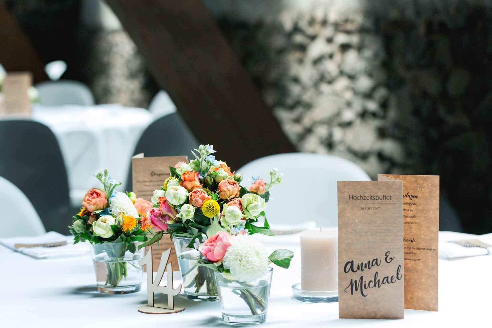 Tischschmuck Hochzeit Hofgut Hohenstein in Lautertal